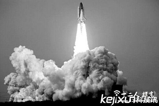 美国放弃登月竟因畏惧外星人?月球外星人基地照片泄露