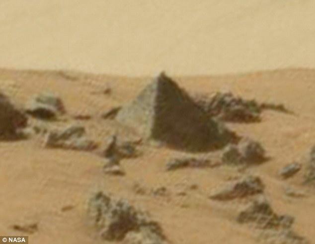 科学家称在火星上发现金字塔【图文】