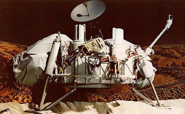 NASA前雇员爆料:1979年曾看到两个穿太空衣的人在火星上走动