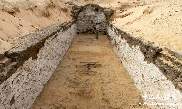 古埃及发现了法老的船墓[图]图片