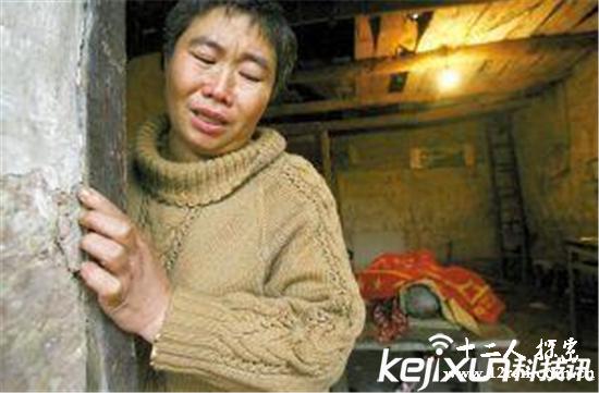 重庆红衣男孩事件始末 民间邪术吓破人胆