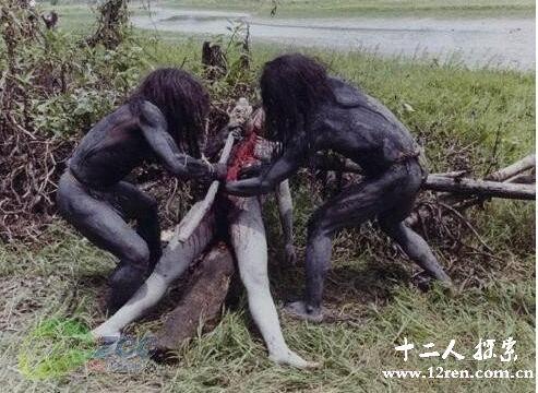 非洲食人族真实的食人场面