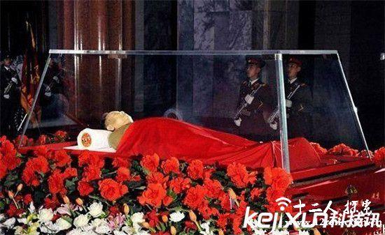 水晶棺中可怕的毛主席令人震惊 毛主席死后发生的怪事