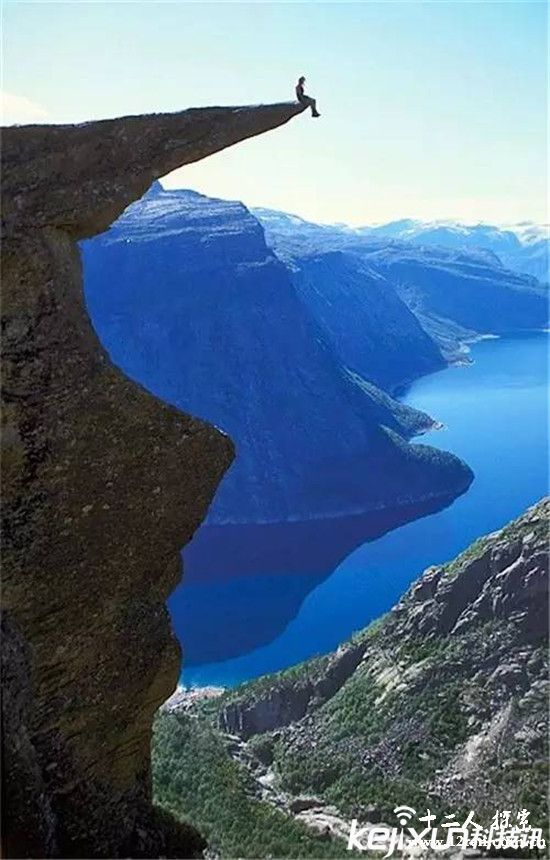 世界最惊险恐高地  扶墙族寻求刺激的天堂
