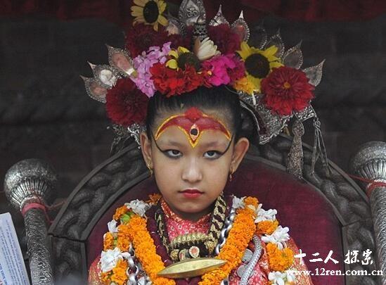 尼泊尔7岁女童